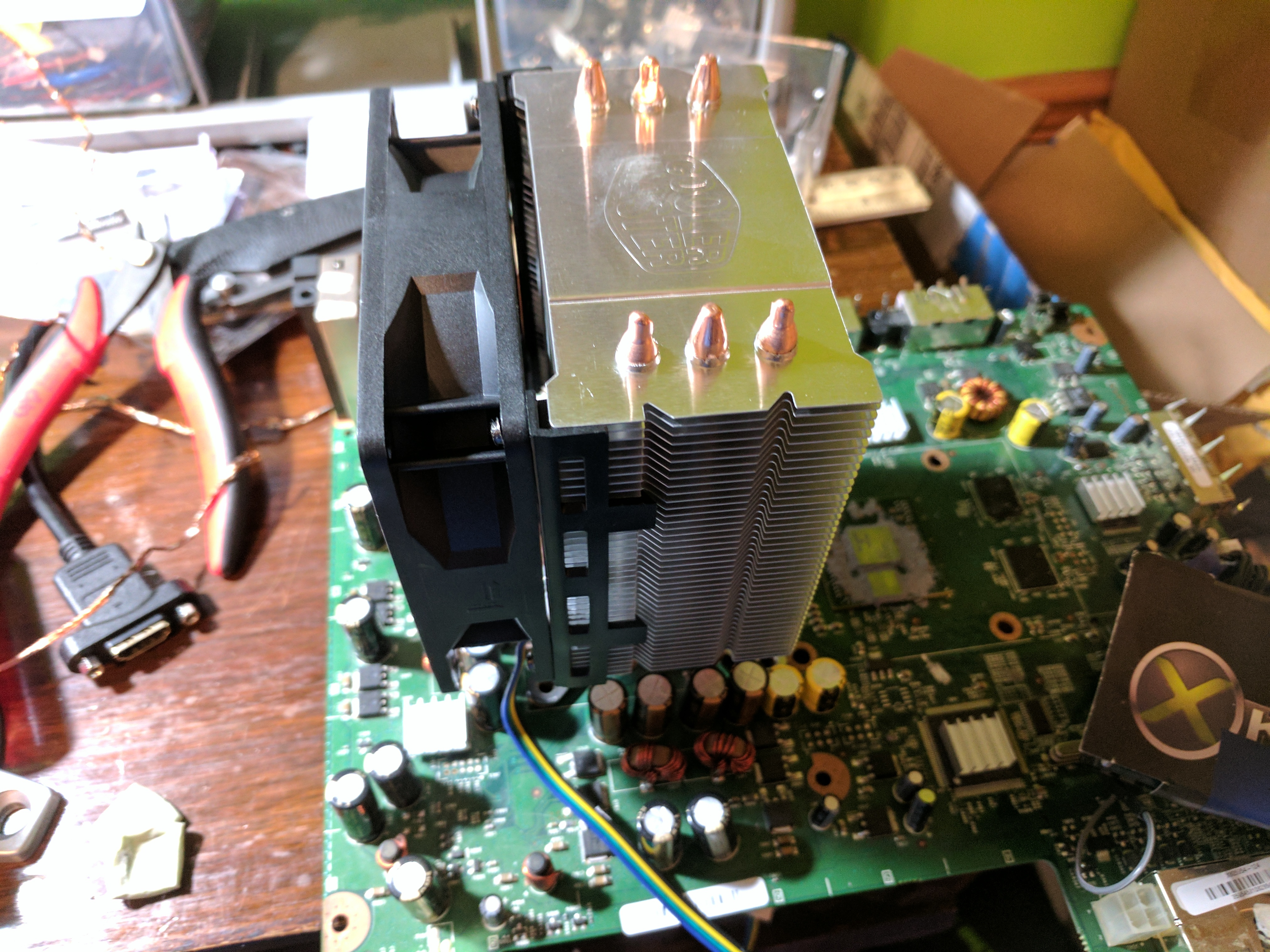 Mounted heatsink